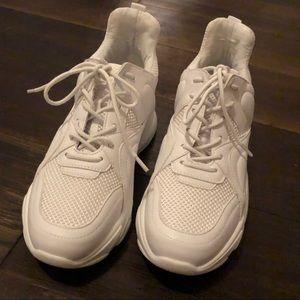 Steve Madden Movment white sneaker size 8.5